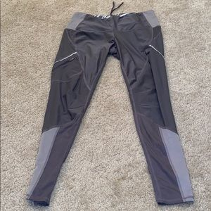 Lucy Gray/Purple Leggings Size M